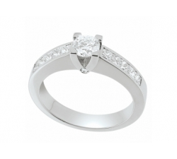 Solitaire accompagné - Diamants, centre 0,50 carat, princesses 0,80 carat, or blanc