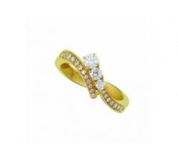 Bague en or rose et diamants
